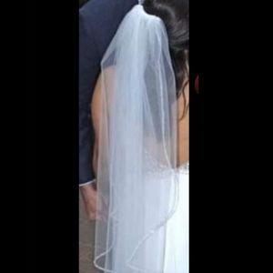 3/$35 Stunning Bridal Veil